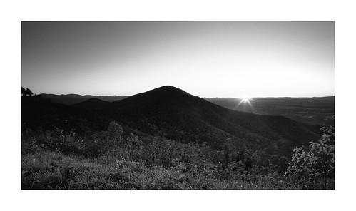 mamiya7ii mamiya43mmf45 slidefilm slide film landscape fujivelvia100 sunset skylinedrive overlook shenandoahnationalpark fall