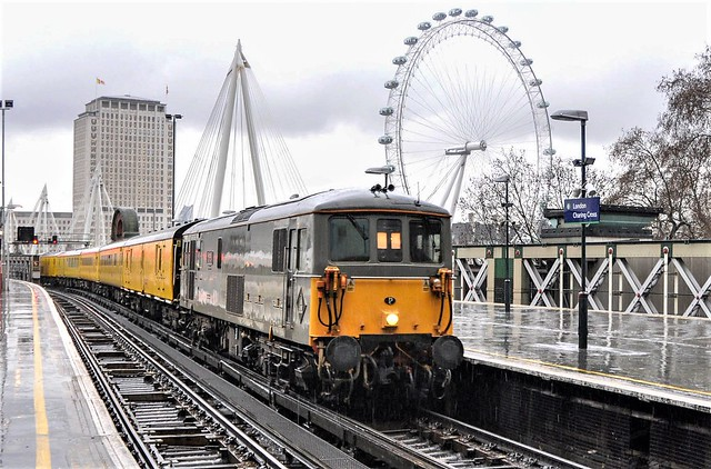 73107 swims into Charing Cross!!