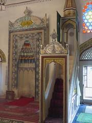 Minbar et mihrab, mosquée de Koski Mehmed pacha, 1617, Mostar, Herzégovine-Neretva, Bosnie-Herzégovine.