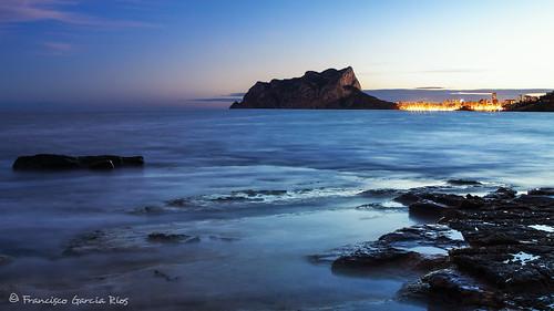 baladrar benissa calpe costablanca mediterranean sea seascape outdoors bluehour lights blue sky rocks peñóndeifach ifachrock recesvintus landscape alicante spain