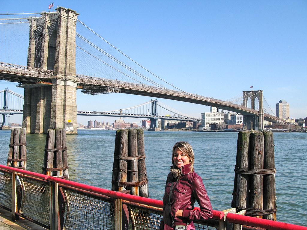 El puente de Brooklyn es una visita de un viaje a Nueva York