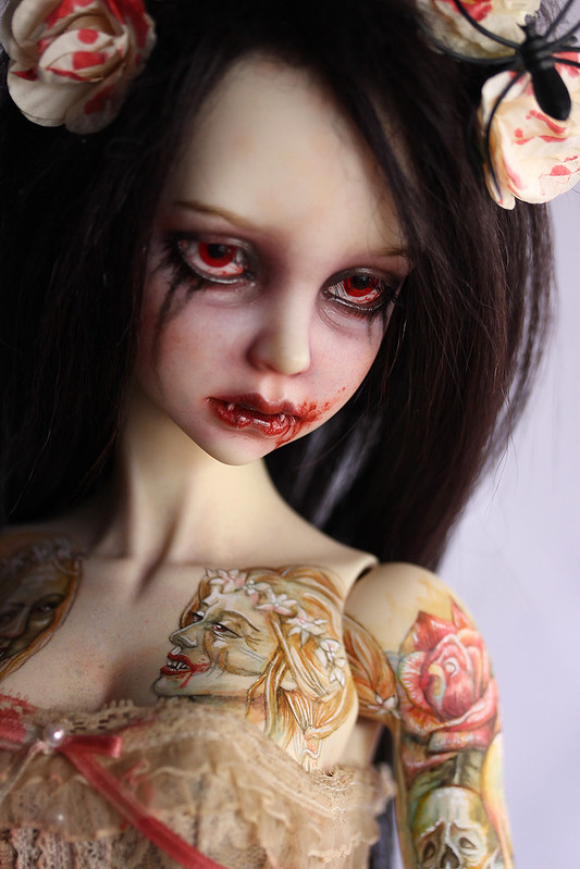 Dame vampire ( p.21) - Page 21 49886526368_8f7c2104e0_c