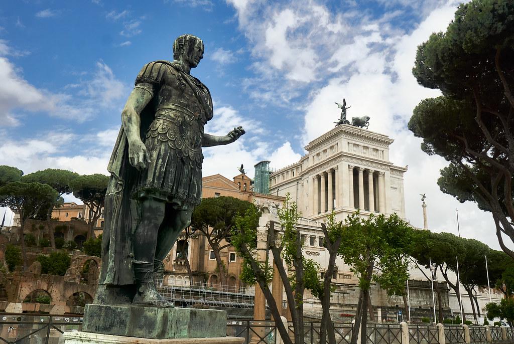 walk at the forum romanum