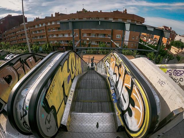 Puente de la Torrassa, Escaleras mecanicas