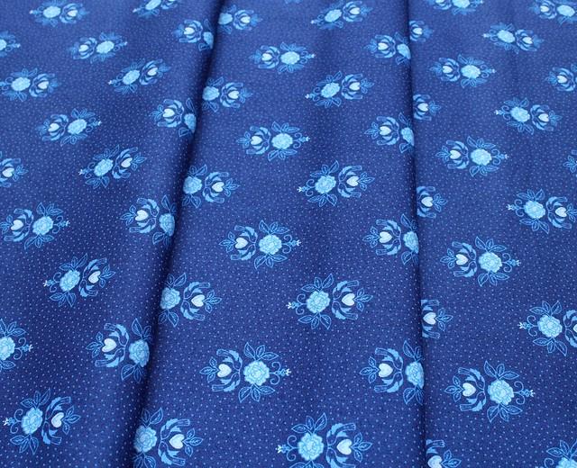Lewis & Irene Teatime A425-3 Little bird roses on darkest blue