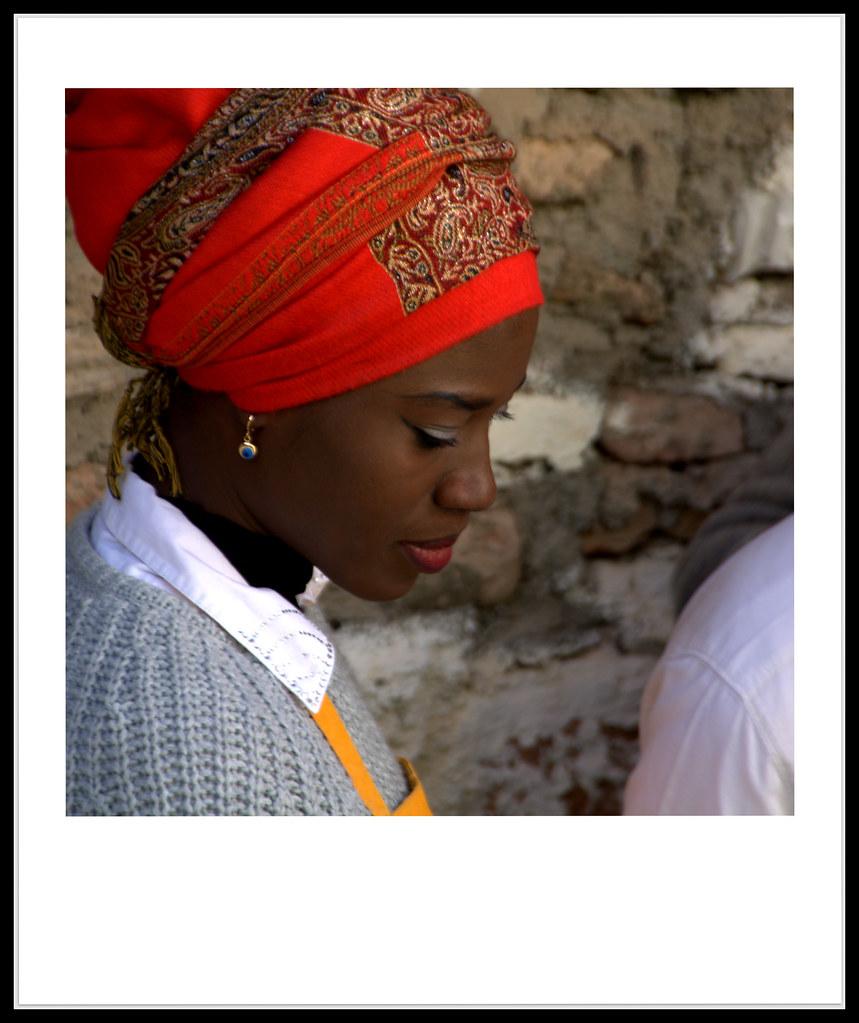 La jeune fille au turban rouge . . .