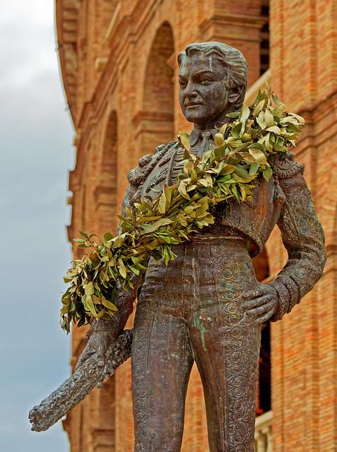 Bull Figher Statue ( Manolo Montoliu) Valencia ( Spain) Olympus OM-D EM1.2 & M.Zuiko 12-100mm f4  (DxO Edited)