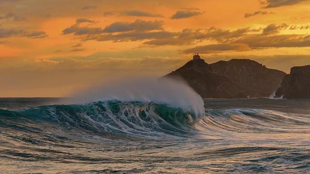 Bakio waves