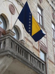 Drapeau national bosnien, Mostar, Herzégovine-Neretva, Bosnie-Herzégovine.