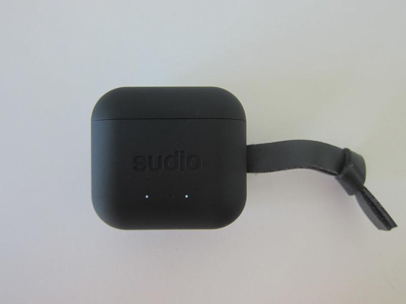 Sudio Ett - Front - Battery Level