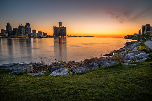 2020 canada detroit detroitriver may michigan ontario usa windsor spring sunrise