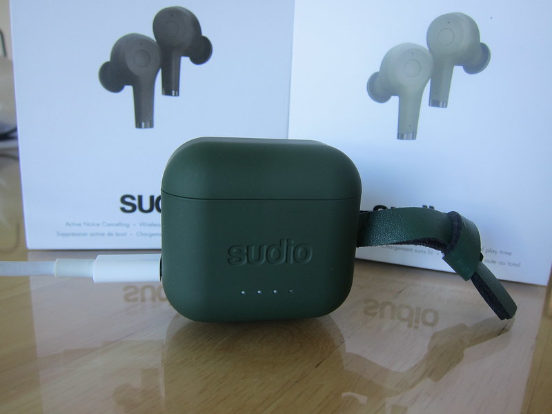 Sudio Ett - Green - Charging