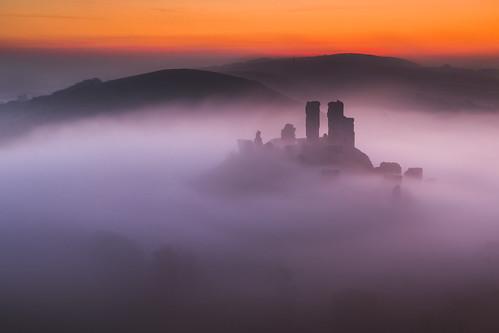 corfecastle dorset uk sunrise mist misty westhill ruin castle canon 80d sigma 1750mm leefilters