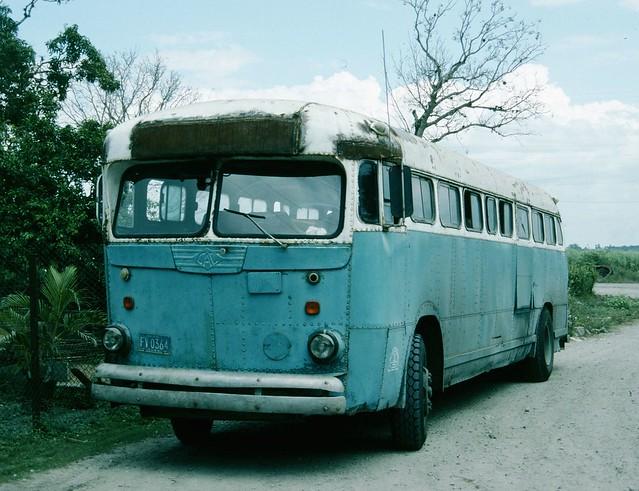 FV0364 Old American Coach - Cuba