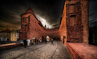 Inside the Barbican: The Fortyfikacje staromiejskie (fortification wall and gate) of the Old Town on the northern side on Nowomiejska (street), Warsaw, Poland. 090-Edita