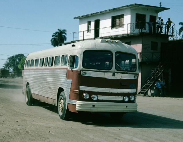Old GM Coach - Cuba