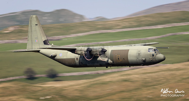 RAF Hercules ZH879 low level in Northern England
