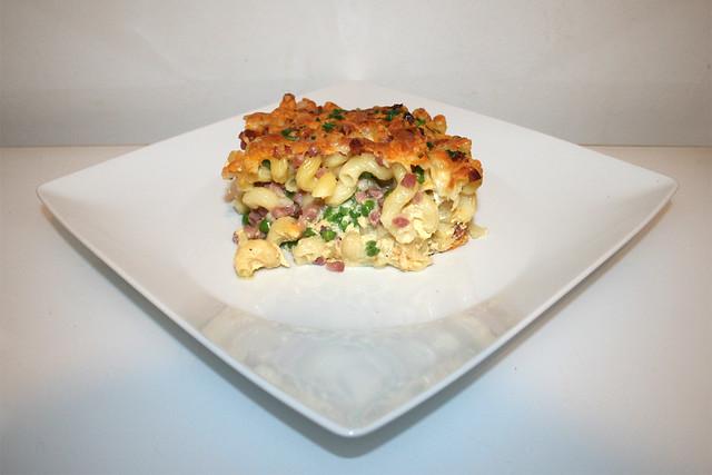 22 - Quick pasta bake - Side view / Blitz-Nudelauflauf - Seitenansicht