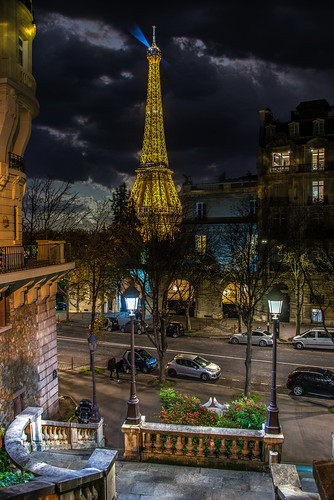 La Tour Eiffel un soir d'automne