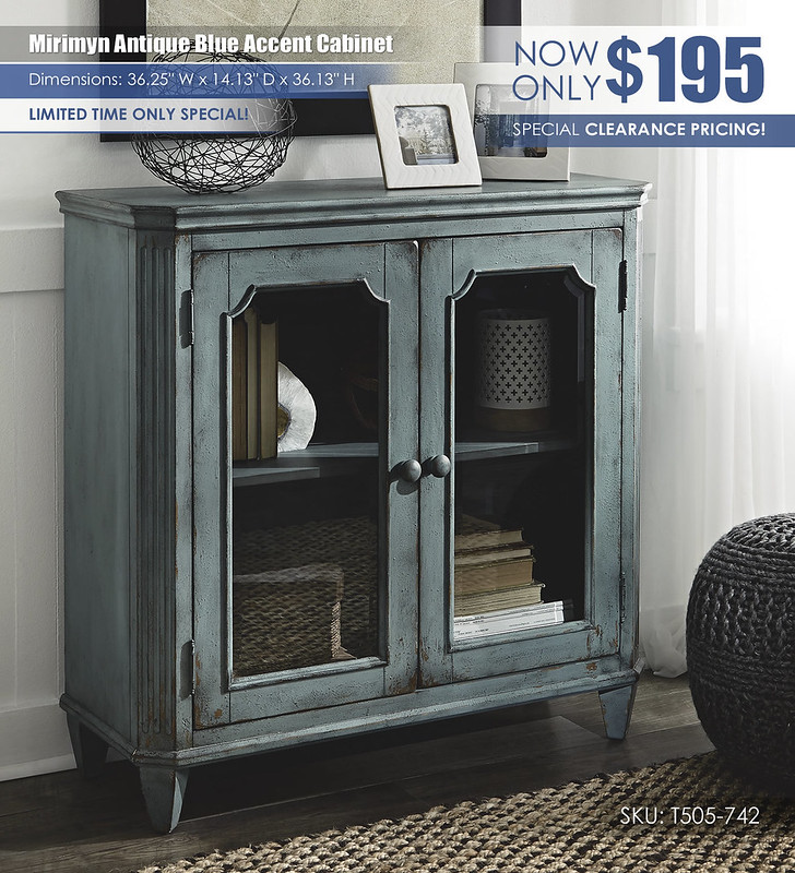Mirimyn Antique Blue Accent Cabinet_T505-742