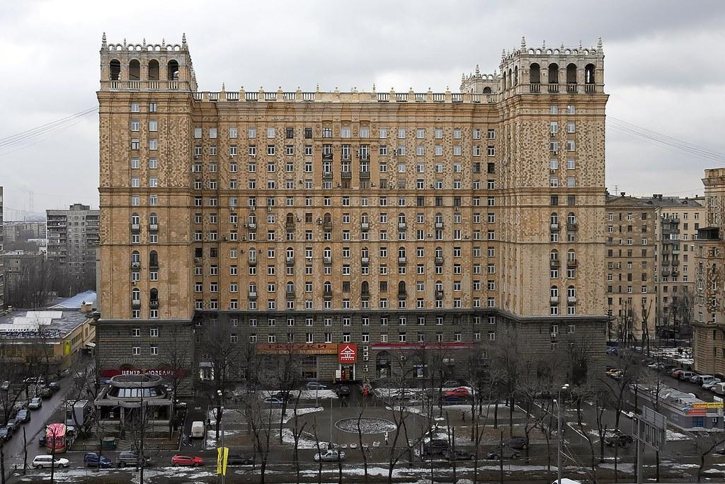 1493180490_tipy-domov-stalinka