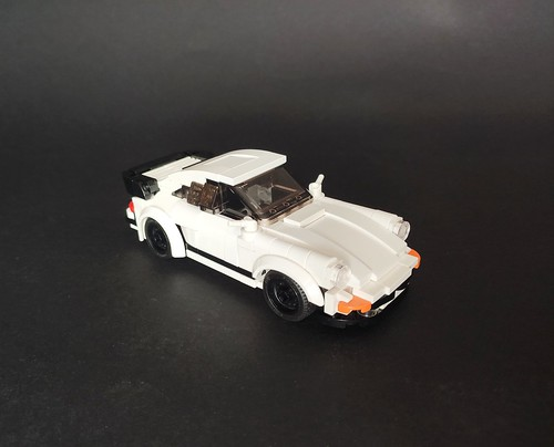 1984 Porsche 911 Carrera M491 Coupe minifig scale | by Fukusakuu