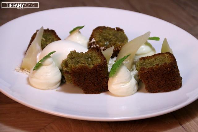Artemis Grill PISTACHIO SPONGE CAKE