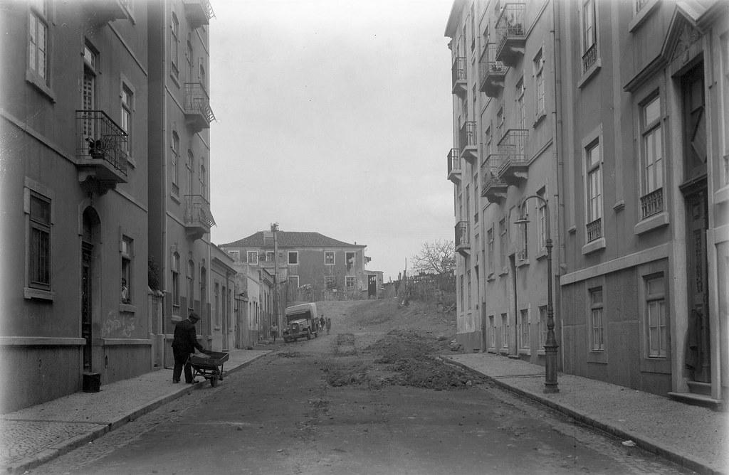 Abertura da rua Actor Vale, Lisboa (E. Portugal, 1944)