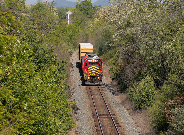 BB Buckingham Branch Z630 GP40 #6 Eastbound Old White Bridge Road, Fisherville, VA 05-15-20