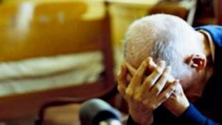 violenza su anziano