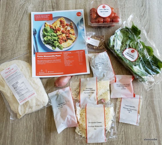 Ingredients for Pesto Mozzarella Pizza