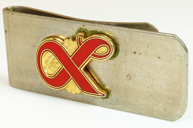 RD27307 Vintage Lucky Lager Money Clip Beer Advertising Collectible DSC04488