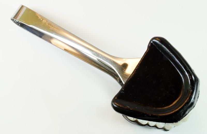 RD16352 Vintage Novelty TEETH ICE TONGS - Teeth Sugar, Joke Dentist Chattering DSC04498