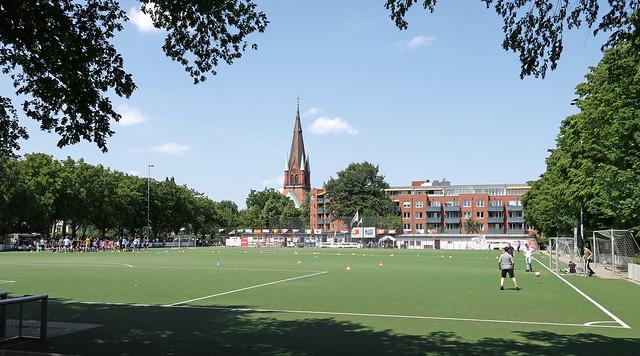 Hamburg - Sportplatz Kreuzkirche