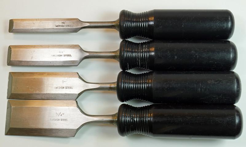 RD29652 4 Vintage Nooitgedagt Crown Swedish Steel Chisels DSC04532