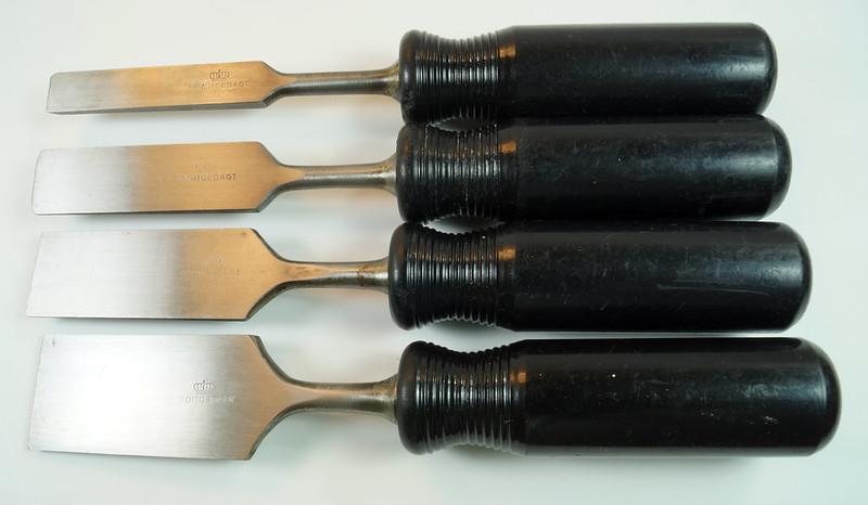RD29652 4 Vintage Nooitgedagt Crown Swedish Steel Chisels DSC04538