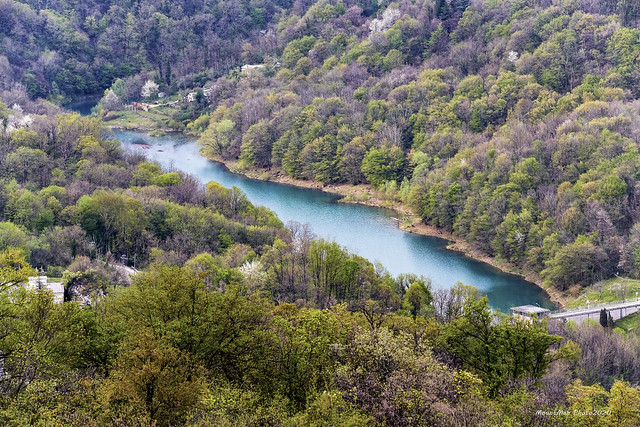 Jezero Valići s Veloga Vrha