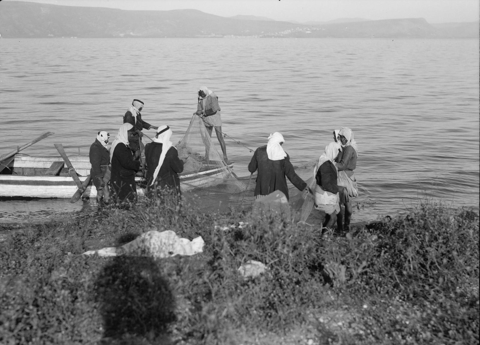 14. Арабские рыбаки на восточной стороне Кинерета