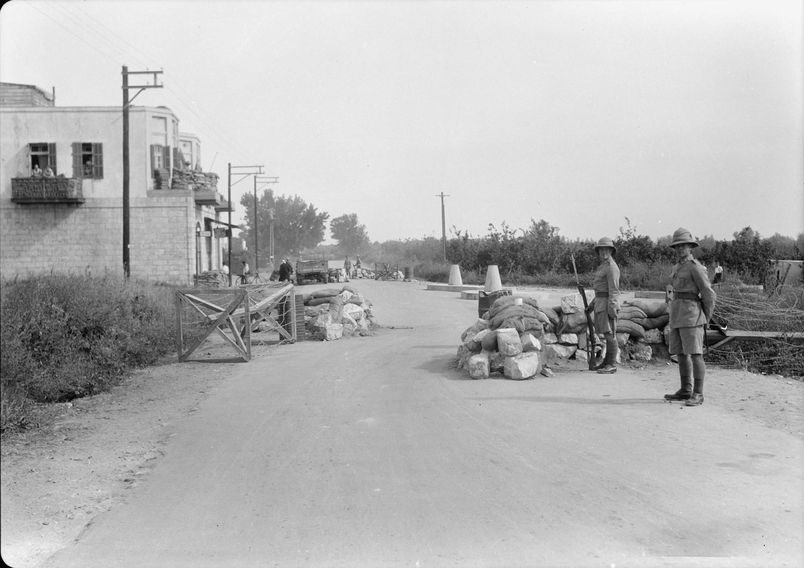 01. Блокпост на перекрестке дороги Рамле-Лод