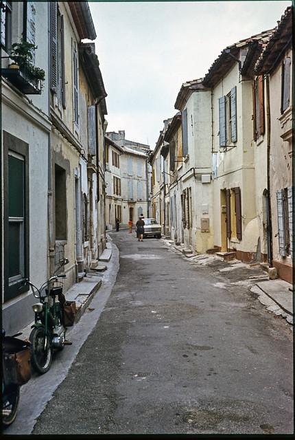 Street, Provence, 1974 aix1974-052