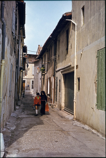 Street, Provence, 1974 aix1974-048