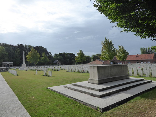YPRES SALIENT - Menin Road Military Cemetery 28 July 2017