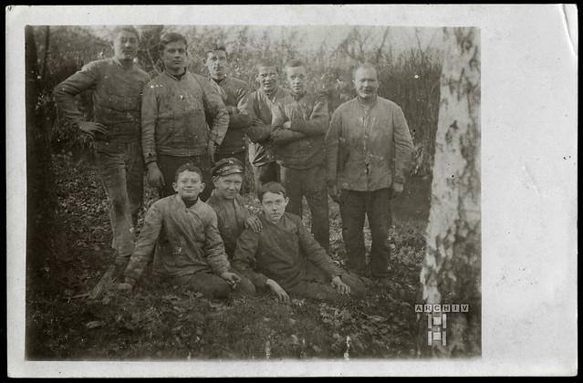 ArchivTappenW847 Männer in Arbeitskleidung, 1920er