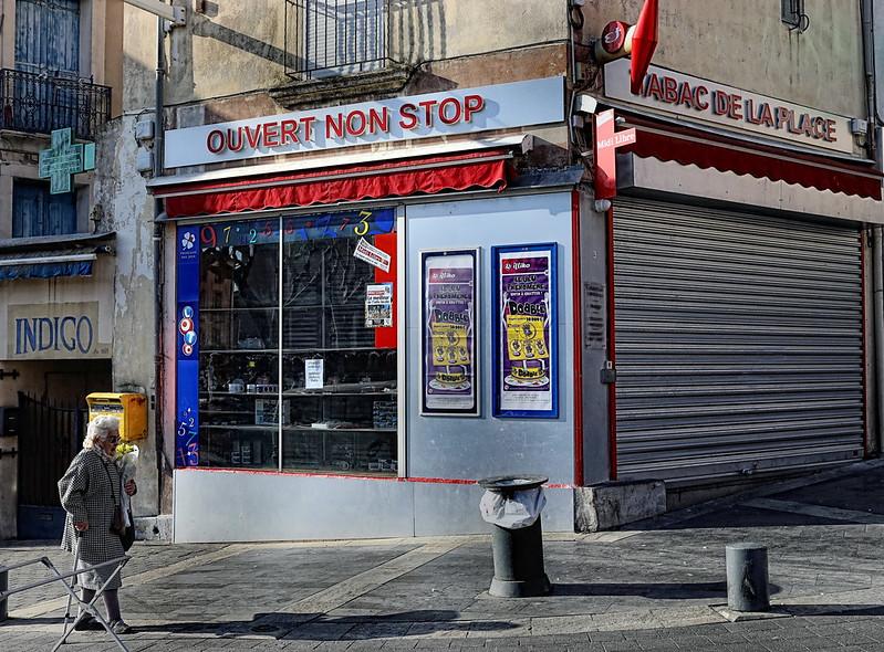 """IMG_6666B Sète:   """"Ouvert non stop""""    Sète: """"Open non stop"""""""