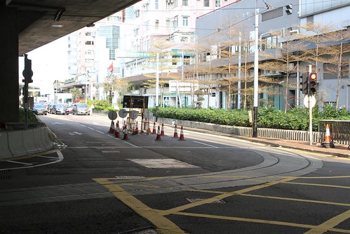 Single track turns from Water Street into Connaught Road West