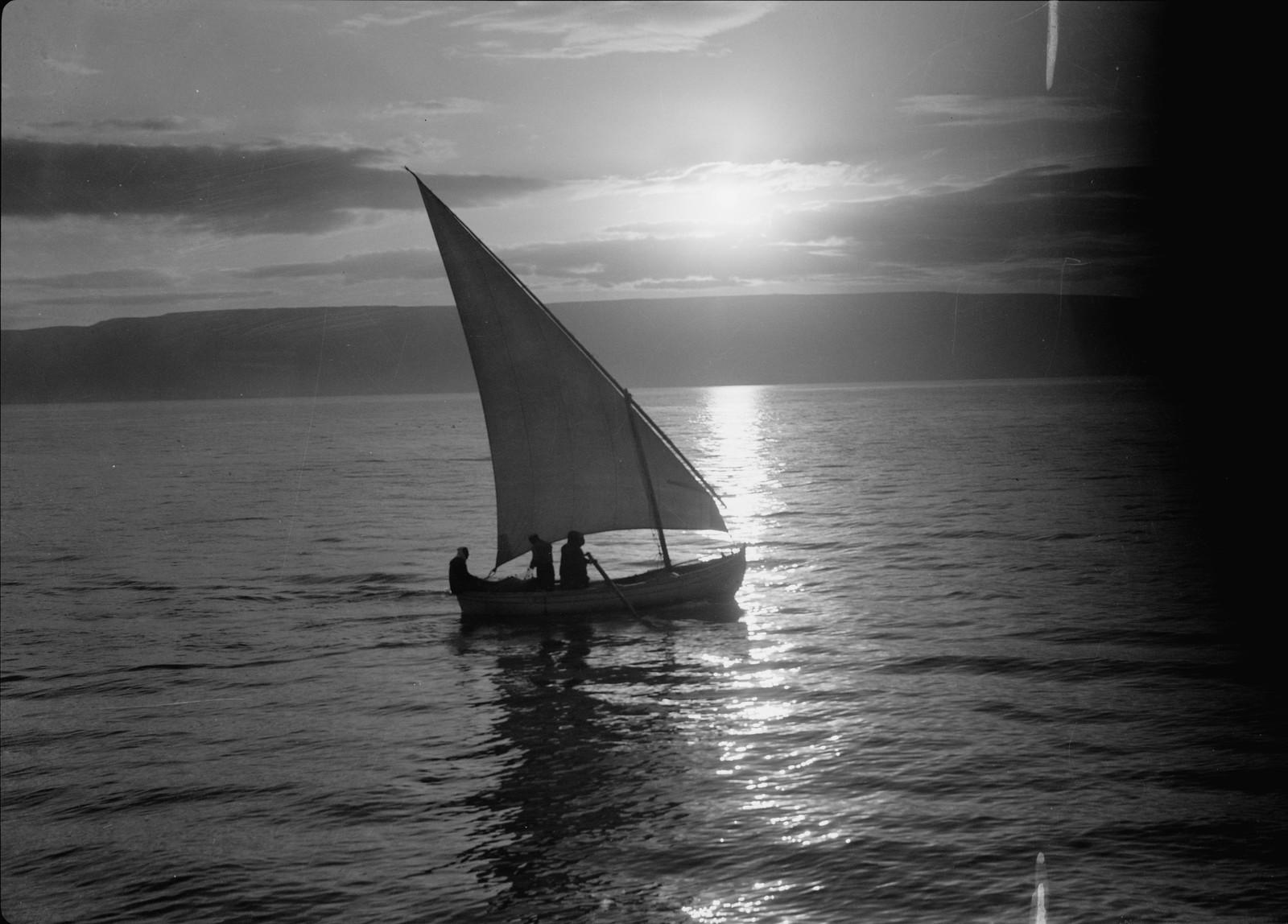23. Рыбацкие лодки на Кинерете
