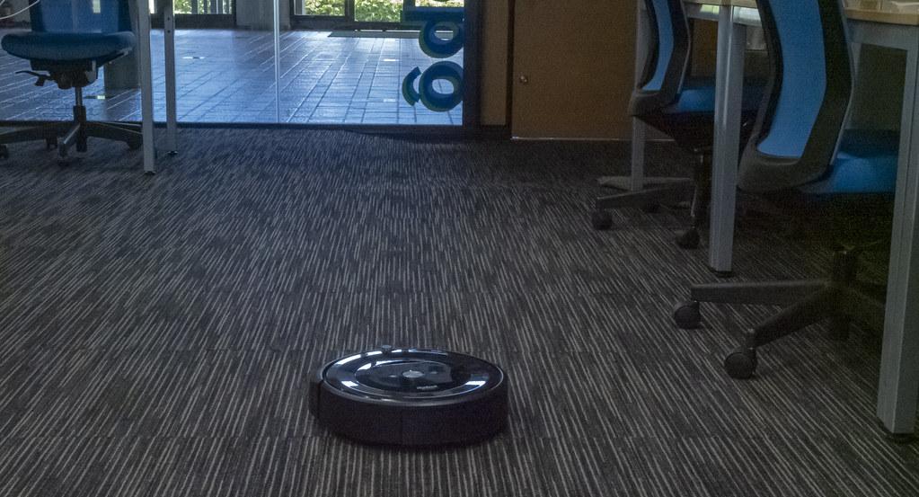 iRobot_Roomba_e5_13