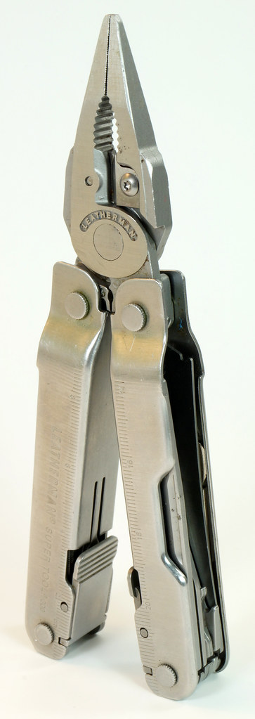 RD28122 Vintage Leatherman Super Tool 300 Multi Tool Pocket Knife 19 TOOLS DSC04560