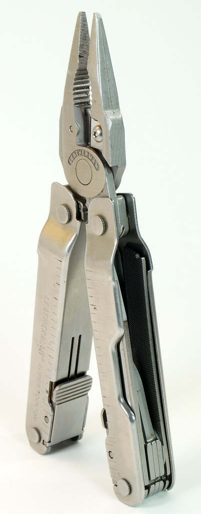RD28122 Vintage Leatherman Super Tool 300 Multi Tool Pocket Knife 19 TOOLS DSC04558