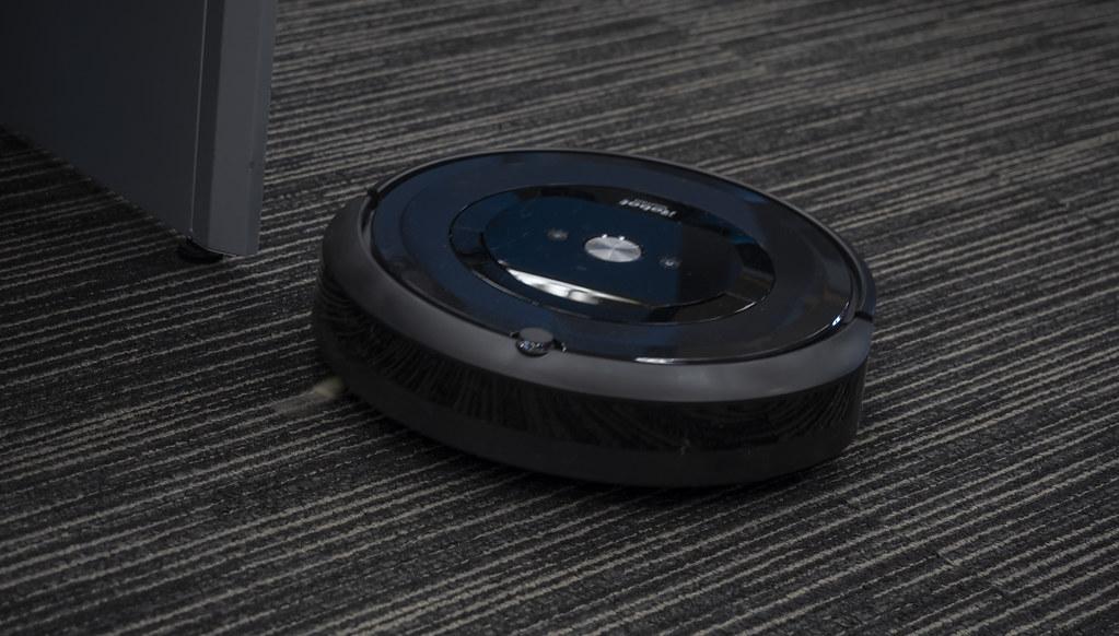 iRobot_Roomba_e5_20